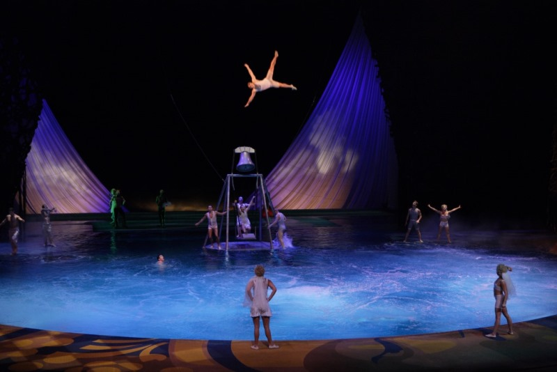 Cirque-du-Soleil-Scuba-Diver