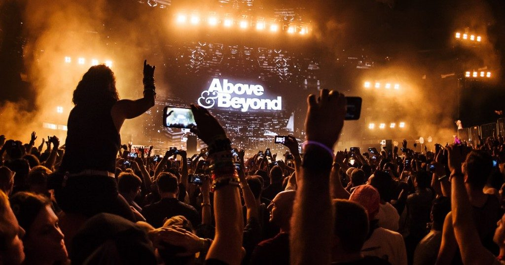 aboveandbeyond-crowd