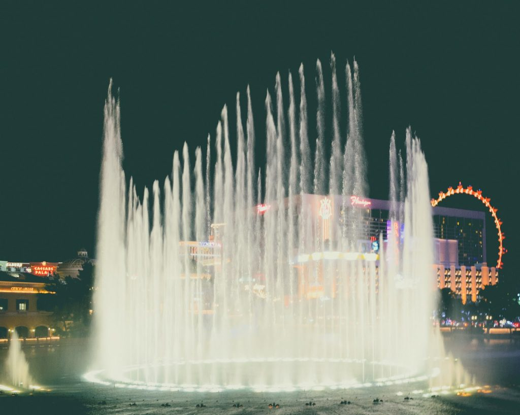 View of the fountains at the bellagio hotel in las vegas
